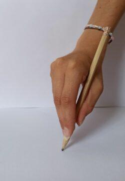 Ecriture enfant : prise digitale