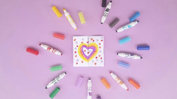 Carte à retourner à l'infini en origami pour la fête des mères