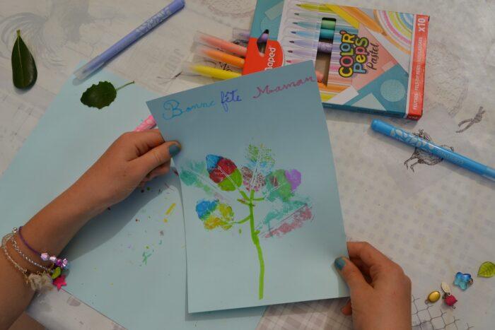 Bricolage enfant : Carte de voeux végétale fête des mères